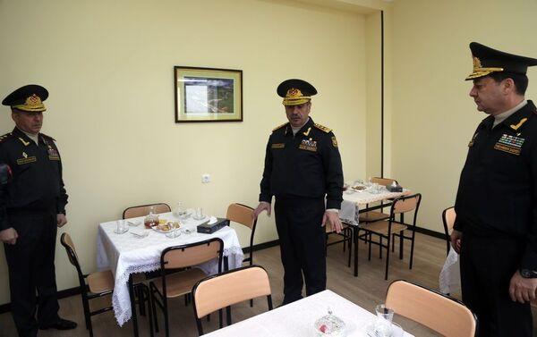 Министр обороны Закир Гасанов на открытии ряда объектов в воинских частях - Sputnik Азербайджан