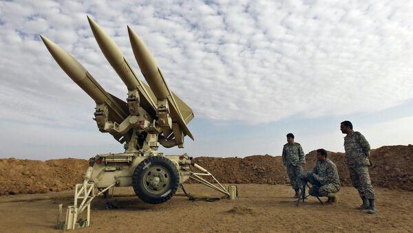 Военнослужащие иранской армии во время учений - Sputnik Azərbaycan