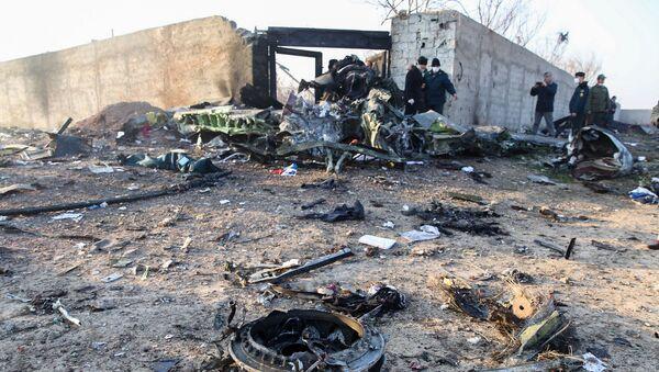 На месте крушения украинского пассажирского самолета в Тегеране - Sputnik Азербайджан