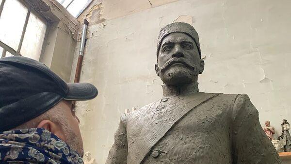 Hacı Zeynalabdin Tağıyevin heykəli - Sputnik Азербайджан