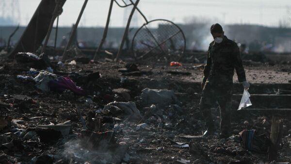 На месте крушения пассажирского лайнера Украины Boeing 737-800 - Sputnik Азербайджан