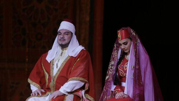 Показ оперы Узеира Гаджибейли  Лейли и Меджнун в Азербайджанском государственном академическом театре оперы и балета - Sputnik Azərbaycan