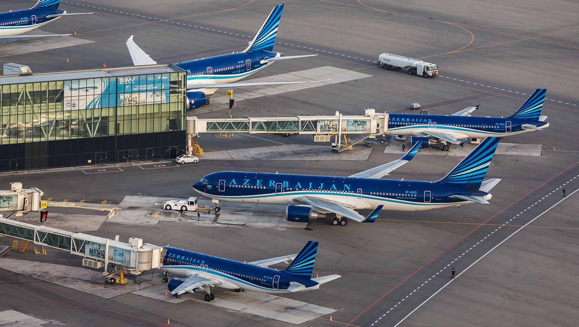 Международный аэропорт Гейдар Алиев с высоты птичьего полета - Sputnik Азербайджан, 1920, 06.09.2021