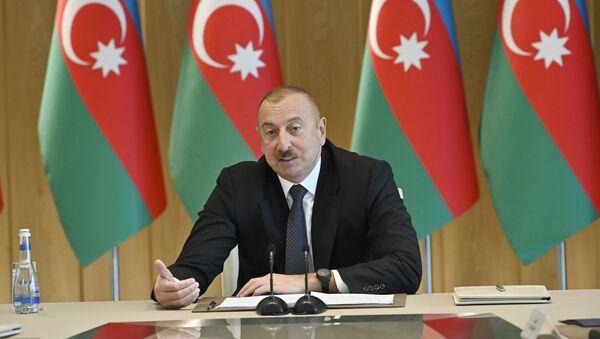 При Президенте Ильхаме Алиеве прошло совещание, посвященное итогам 2019 года - Sputnik Azərbaycan