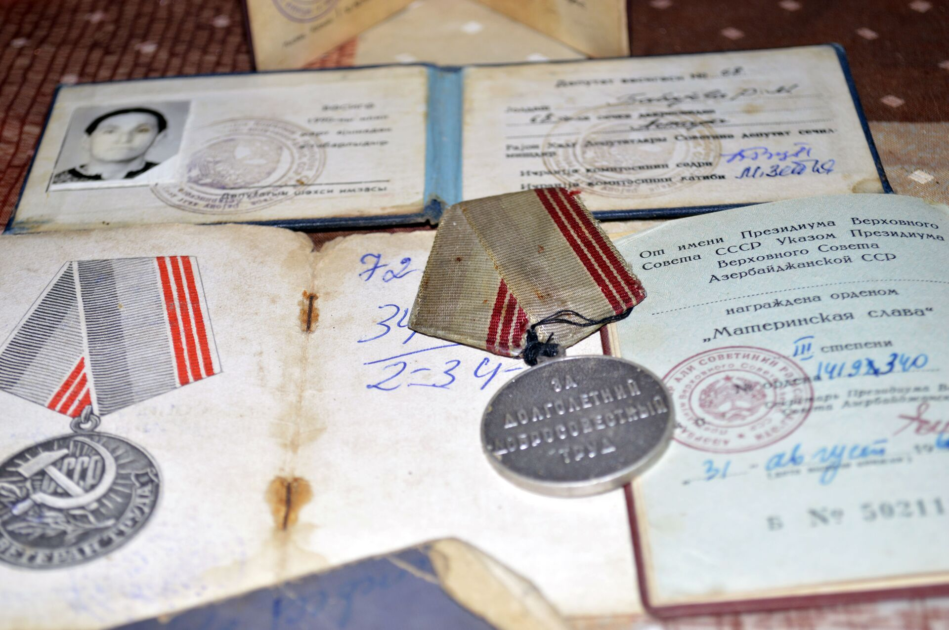 Дважды Мать-героиня из Астары: моей главной работой было воспитание детей - Sputnik Азербайджан, 1920, 08.03.2021