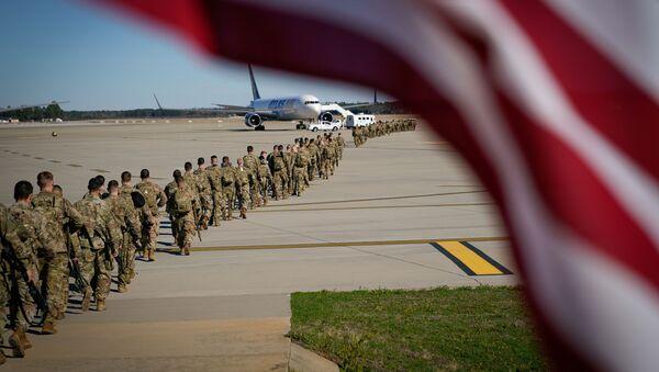 Американские военные перед вылетом на Ближний Восток, фото из архива - Sputnik Азербайджан