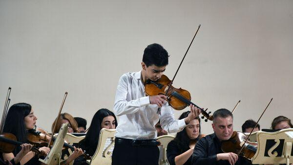 Молодые таланты выступили на сцене Филармонии - Sputnik Азербайджан