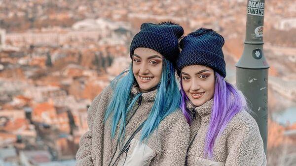 Азербайджанские танцовщицы, сестры-близняшки Айдан и Фидан Багировы, фото из архива - Sputnik Азербайджан