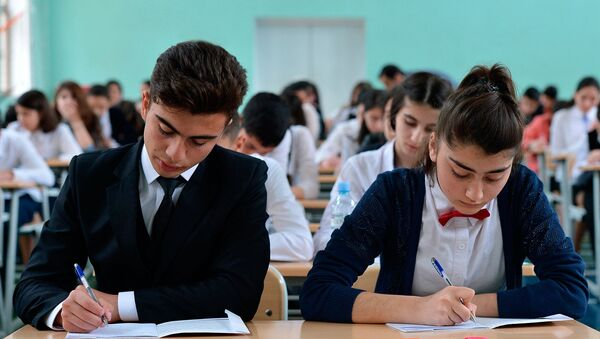 В одной из бакинских школ, фото из архива - Sputnik Азербайджан