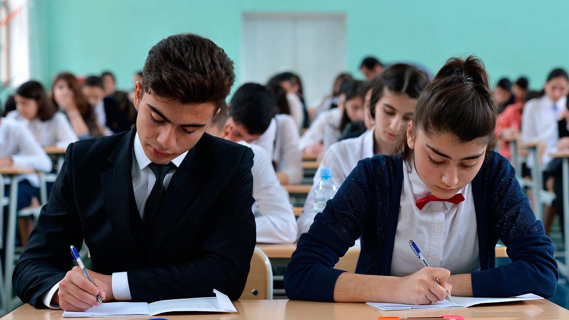 В одной из бакинских школ, фото из архива - Sputnik Азербайджан, 1920, 07.05.2021