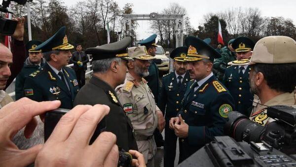 Встреча делегаций Государственной пограничной службы АР и Пограничных войск Ирана - Sputnik Азербайджан