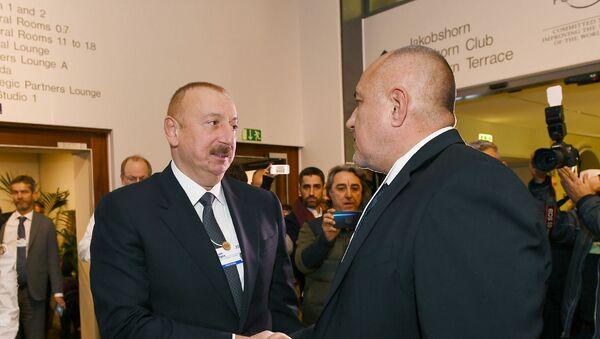 Davosda Azərbaycan Prezidenti İlham Əliyev və Polşa Prezidenti Andjey Duda arasında görüş - Sputnik Азербайджан