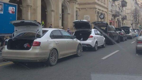 Незаконная парковка в центре Баку - Sputnik Азербайджан