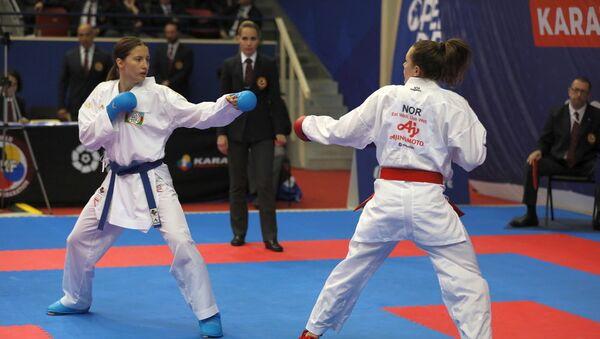 Азербайджанская каратистка Ирина Зарецка в турнире из серии Премьер-лига в Париже - Sputnik Азербайджан