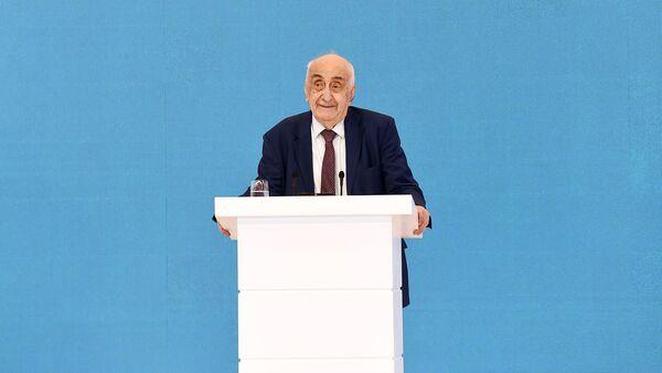 Джабиш муаллим: Академику Хошбахту Юсифзаде исполняется 90 лет - Sputnik Азербайджан