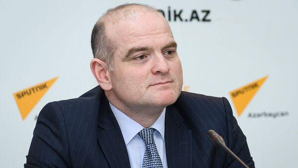 Заместитель директора Русской школы экономики UNEC, доктор наук, профессор Эльшад Мамедов - Sputnik Азербайджан
