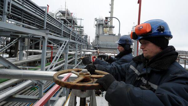 Мозырский нефтеперерабатывающий завод в Белоруссии - Sputnik Азербайджан