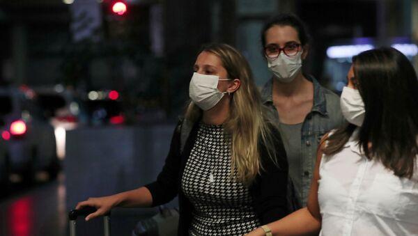 Ситуация в связи с эпидемиологической обстановкой в Бразилии - Sputnik Азербайджан