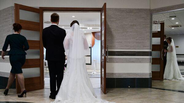 Новобрачные, фото из архива - Sputnik Азербайджан