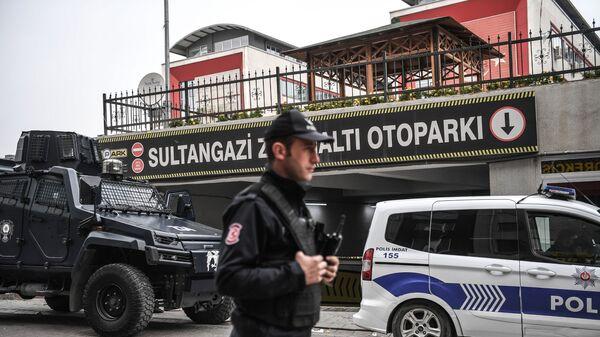 Сотрудник турецкой полиции, фото из архива - Sputnik Азербайджан