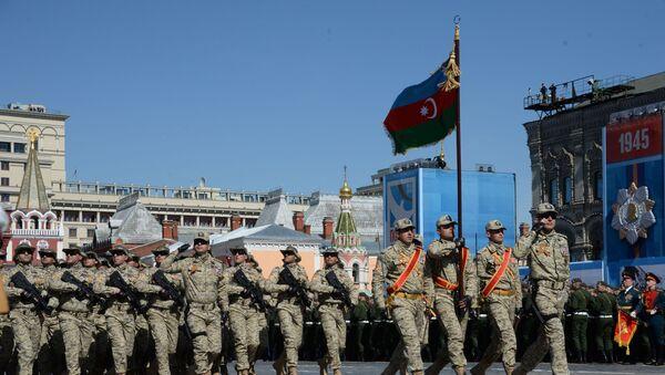 Военнослужащие Национальной армии Азербайджана во время генеральной репетиции военного парада, фото из архива - Sputnik Азербайджан