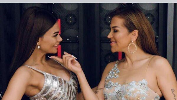 Азербайджанская певица Раксана Исмайлова со своей дочерью Айсун Исмайловой - Sputnik Азербайджан