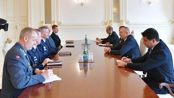 Президент Азербайджана Ильхам Алиев принял делегацию во главе с Верховным главнокомандующим Объединенными силами НАТО в Европе Тодом Уолтерсом - Sputnik Азербайджан