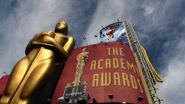 Облака над статуей Оскара, фото из архива - Sputnik Azərbaycan