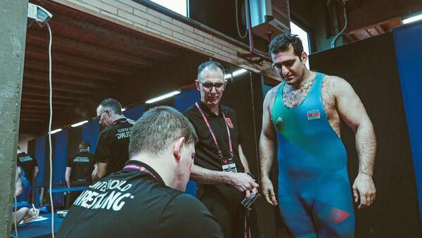 Борец Сабах Шариати на старте чемпионата Европы по борьбе, проходящем в Риме - Sputnik Азербайджан