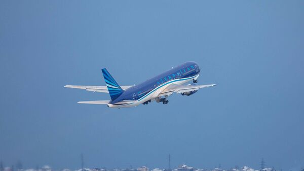 Пассажирский самолет AZAL, фото из архива - Sputnik Азербайджан
