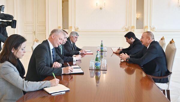 Prezident İlham Əliyev Avropa İttifaqının xüsusi nümayəndəsinin başçılıq etdiyi nümayəndə heyətini qəbul edib - Sputnik Азербайджан
