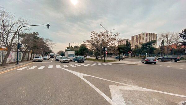 Новый светофор на улицах Ахмада Раджабли и Джафара Хандана  - Sputnik Азербайджан