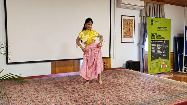 Конкурс индийского танца  - Sputnik Азербайджан