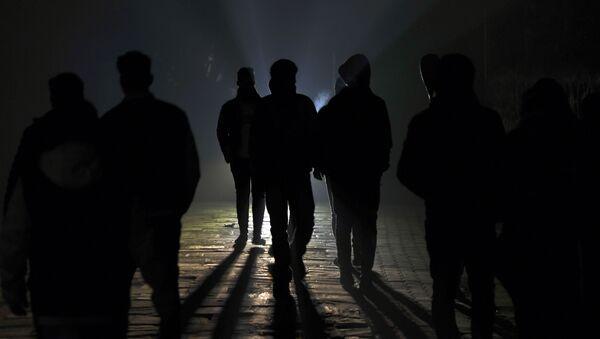 Тень людей, фото из архива - Sputnik Азербайджан