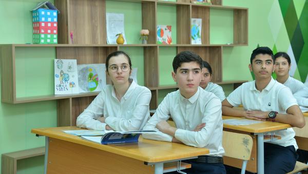 В одной из школ, фото из архива - Sputnik Азербайджан