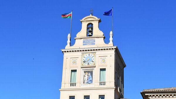 Флаги Азербайджана и ЕС в Риме, фото из архива - Sputnik Азербайджан