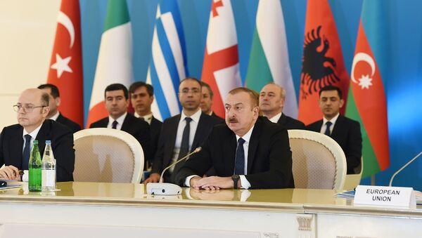Prezident İlham Əliyev Cənub Qaz Dəhlizi Məşvərət Şurası çərçivəsində nazirlərin VI toplantısında - Sputnik Азербайджан
