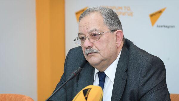 Руководитель экспертного совета Baku Network, доктор философии Эльхан Алескеров - Sputnik Азербайджан