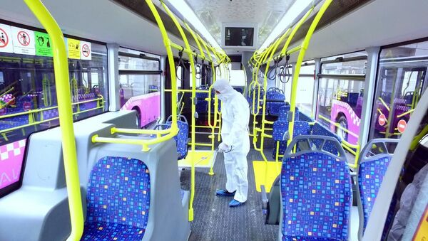 Дезинфекция автобусов в Баку - Sputnik Азербайджан
