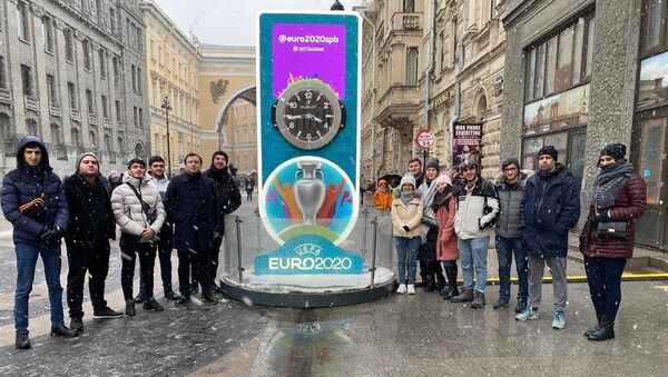 Бакинская команда волонтеров ЕВРО-2020 в Санкт-Петербурге - Sputnik Азербайджан