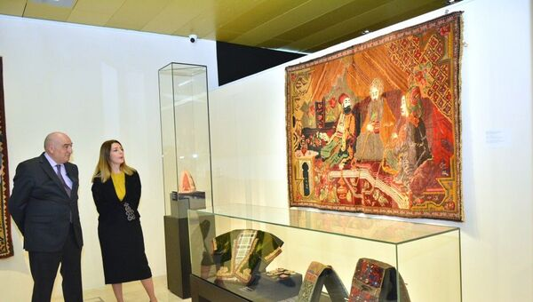 В музее - Sputnik Азербайджан