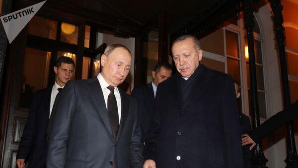 Президент РФ Владимир Путин и президент Турции Реджеп Тайип Эрдоган - Sputnik Azərbaycan