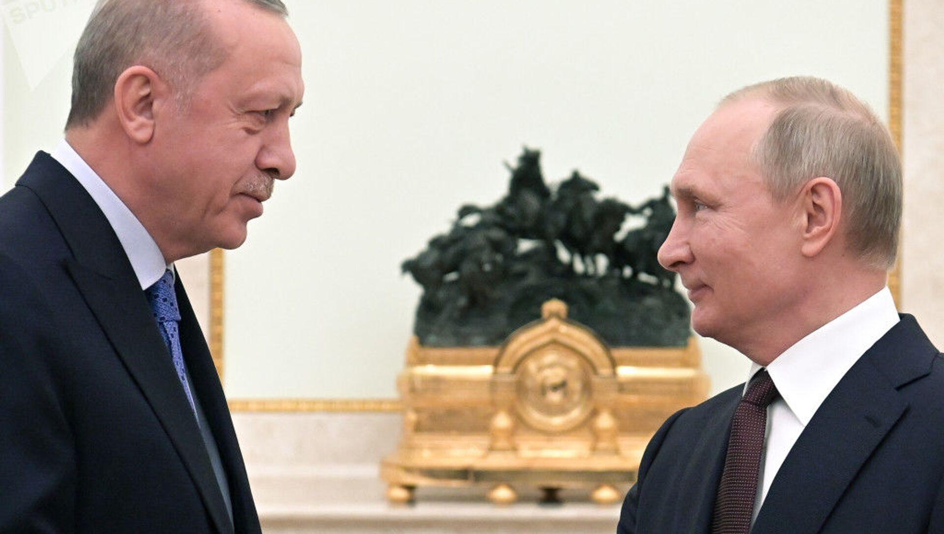 Президент РФ Владимир Путин и президент Турции Реджеп Тайип Эрдоган - Sputnik Azərbaycan, 1920, 26.09.2021