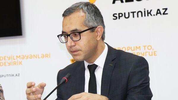 Эксперт по образованию Кямран Асадов - Sputnik Азербайджан