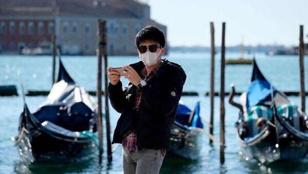 Ситуация в связи с эпидемиологической обстановкой в Италии - Sputnik Азербайджан