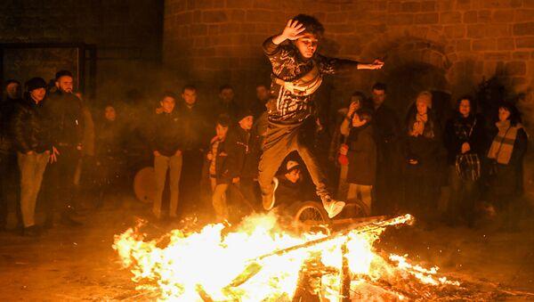 Празднование йел чершенбеси в Баку - Sputnik Азербайджан