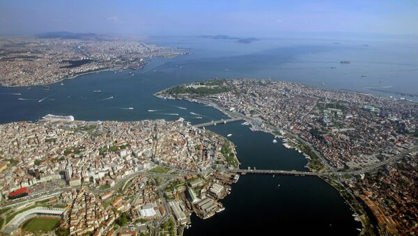 Вид с воздуха на пролив Босфор в Стамбуле, Турция  - Sputnik Азербайджан