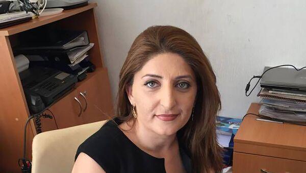 сотрудница пресс-службы Управления заповедника Ичеришехер Сафая Ахмедова - Sputnik Азербайджан