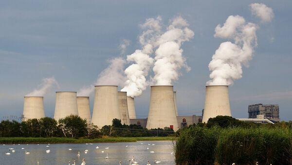 Ученые выяснили, что загрязнение воздуха отнимает у нас 3 года жизни - Sputnik Азербайджан