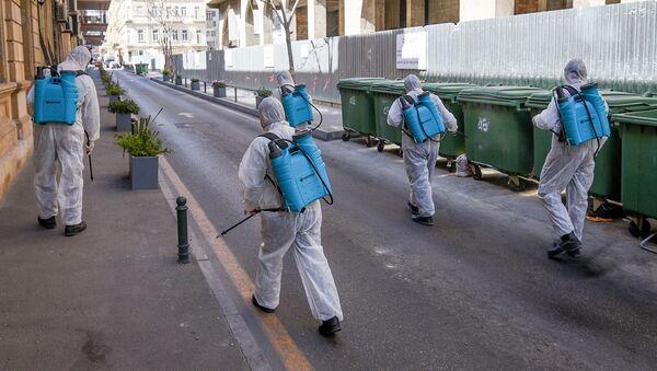 Дезинфекция центральных улиц Баку - Sputnik Азербайджан